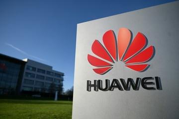 """Lãnh đạo Huawei: """"Anh nên xem lại lệnh cấm thiết bị 5G của Huawei"""""""