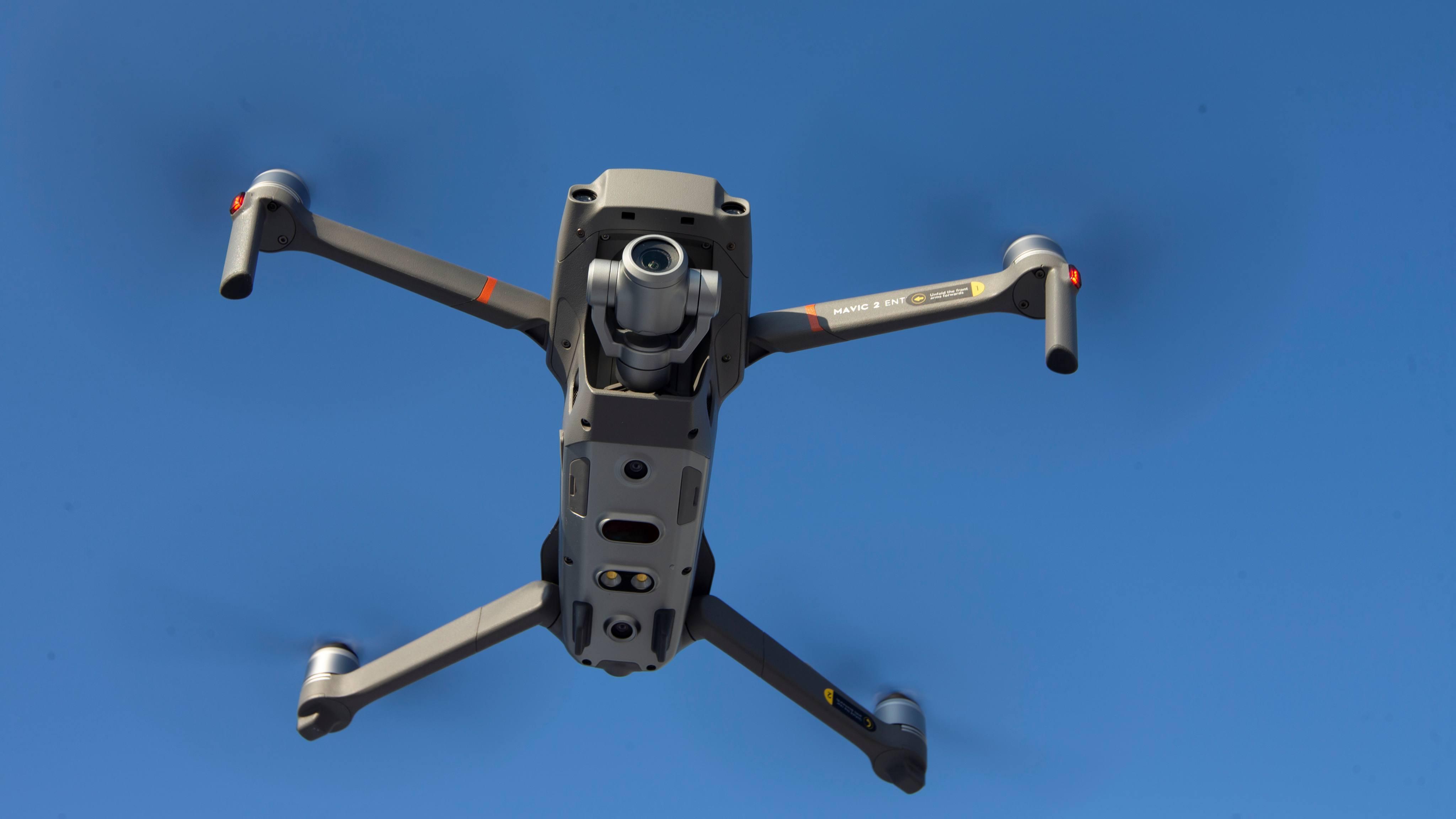 Nhật Bản ngừng mua drone Trung Quốc