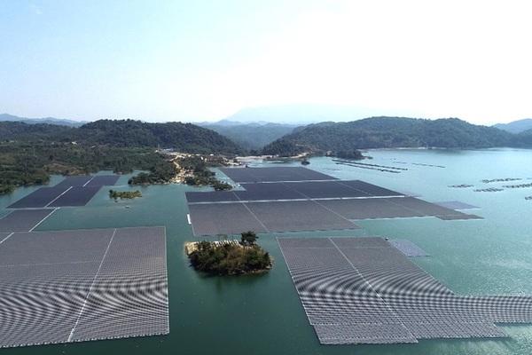 Hé lộ tiềm năng khai thác điện mặt trời trên hồ thủy điện