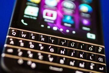 Smartphone 'bóng ma' dành cho thế giới ngầm