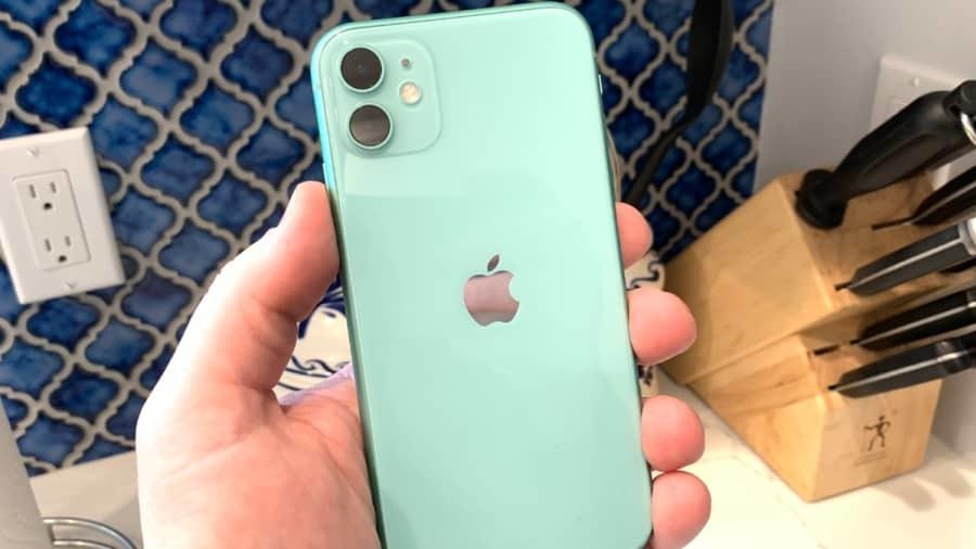 Apple sửa miễn phí iPhone 11 không nhận cảm ứng