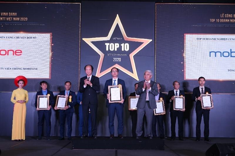 MobiFone nhận cú đúp giải thưởng Top 10 Doanh nghiệp CNTT 2020
