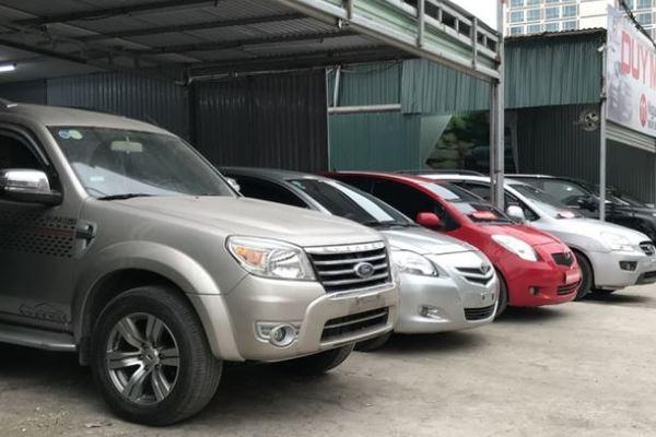 Xe ô tô cũ tăng giá vì khan hàng