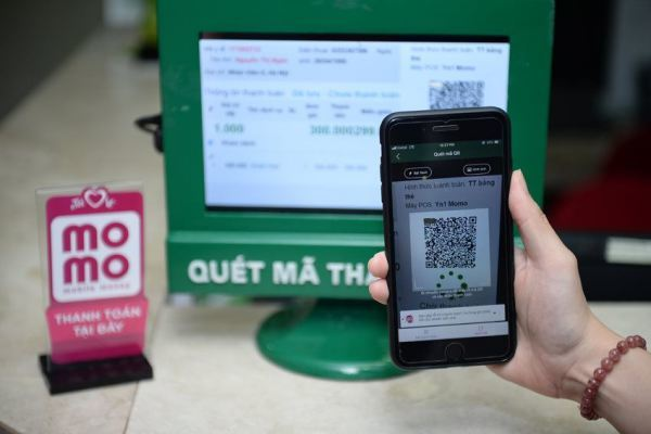Quét QR, quẹt thẻ để thanh toán viện phí tại Bệnh viện Nhi đồng TP.HCM