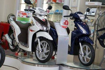 Doanh số xe máy xăng sụt giảm mạnh trong năm 2020