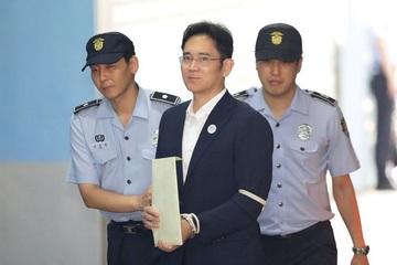 """""""Thái tử"""" Samsung có chỉ đạo đầu tiên sau song sắt"""