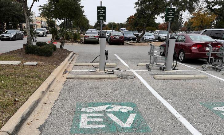 Tổng thống Biden sẽ thay thế toàn bộ đội xe chính phủ bằng xe điện
