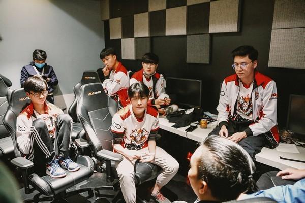 Một giải đấu eSports Việt phải tạm hoãn vì Covid-19