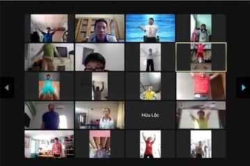 Giáo viên TP.HCM dạy thể dục qua mạng