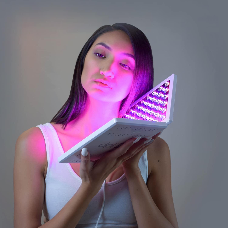 Sắm đồ công nghệ Tết 2021 để các chị em làm đẹp tại nhà