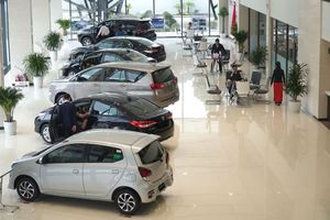 Nhiều người Việt có xu hướng chuyển sang mua ô tô
