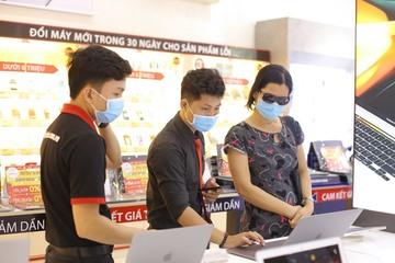 """Mùa bán hàng """"kỳ lạ"""" nhất sau Tết: Bán hơn 1.000 laptop mỗi ngày"""