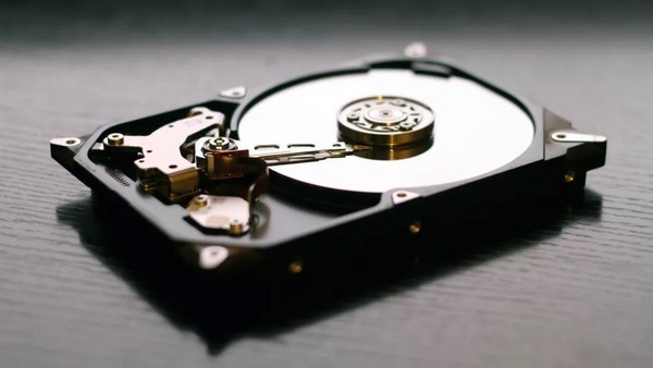 Vì sao ổ SSD nhanh hơn ổ HDD?