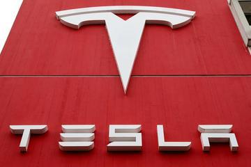 Nhà máy Tesla đóng cửa 2 ngày do thiếu linh kiện