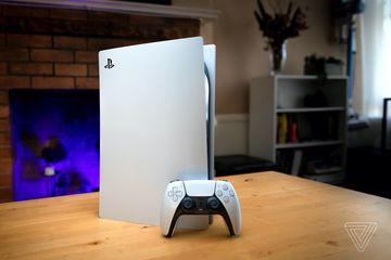 PS5 xách tay đắt hơn chính hãng 9 triệu đồng