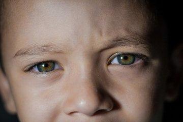 Ứng dụng AI quét võng mạc phát hiện sớm tự kỷ ở trẻ nhỏ