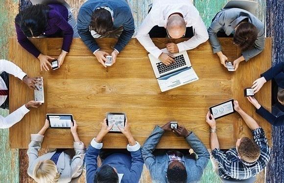 Chuyển đổi số thay đổi lối sống, giao tiếp xã hội như thế nào?