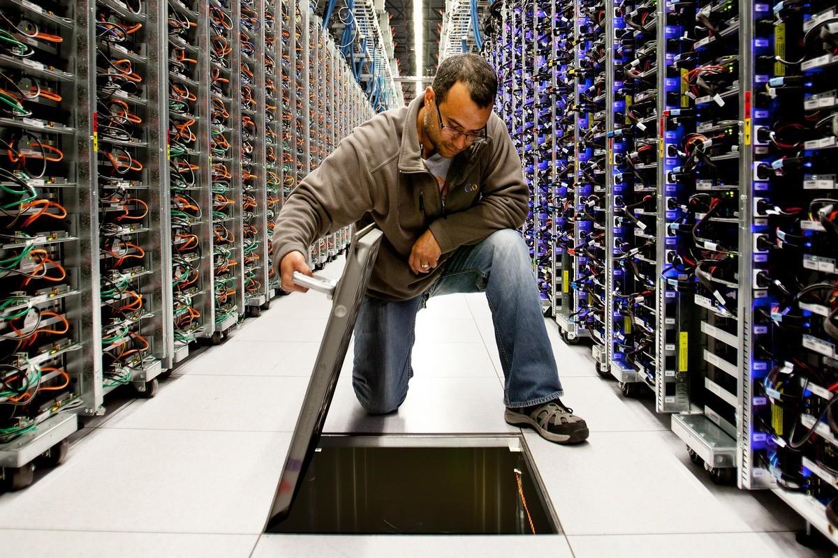 Bên trong trung tâm dữ liệu 'kín cổng cao tường' của Google