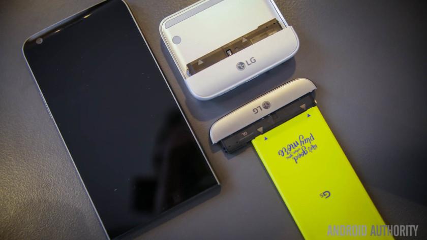 Điều gì khiến LG từ bỏ thị trường smartphone?