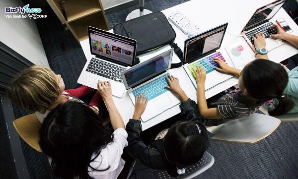Chuyển đổi số trong ngành giáo dục không chỉ giới hạn ở việc dạy và học trực tuyến