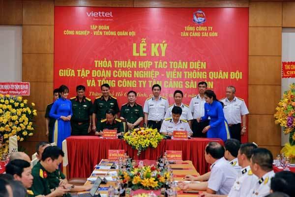 Viettel hậu thuẫn chuyển đổi số cho Tân Cảng Sài Gòn và Nova Group