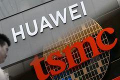 """Nhà sản xuất bán dẫn cắt nguồn cung cho Huawei, Apple lại """"lấp đầy chỗ trống"""""""