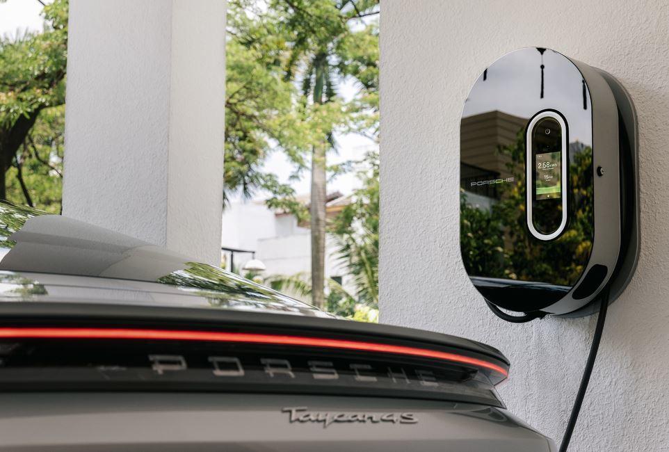 Porsche lạc quan về triển vọng xe điện ở Việt Nam