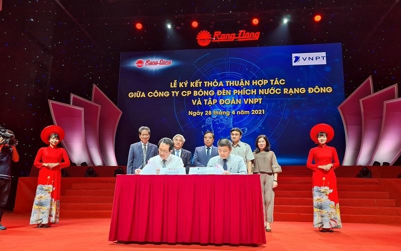 VNPT và Công ty Bóng đèn Phích nước Rạng Đông ký kết thỏa thuận hợp tác về chuyển đổi số