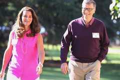"""34 năm bên nhau của Bill Gates và  Melinda sau lời hẹn """"2 tuần tới tính từ tối nay"""""""