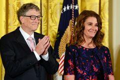Vợ chồng Bill Gates bắt đầu phân chia tài sản 145 tỷ USD