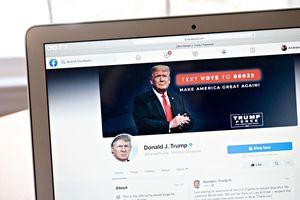 Facebook vẫn cấm ông Trump nhưng phải xem lại quyết định