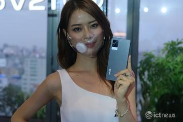 Vivo ra mắt V21 5G, tập trung vào camera selfie