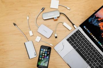 Làm khó người dùng, Apple đã tạo ra thị trường tỷ USD