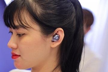 Tai nghe không dây của Samsung bị tố gây viêm tai