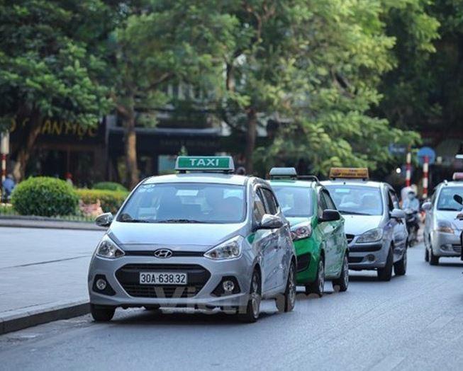 Kiến nghị kéo dài thời gian đăng kiểm cho xe taxi