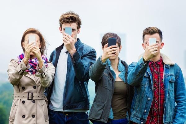 Nghiên cứu cho thấy smartphone là căn nhà 'sống ảo' của nhiều người