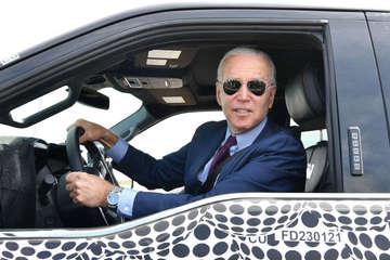 """Tổng thống Biden: """"Tương lai của công nghiệp ô tô là xe điện"""""""