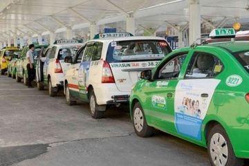 """Các hãng taxi truyền thống lo """"phá sản"""""""