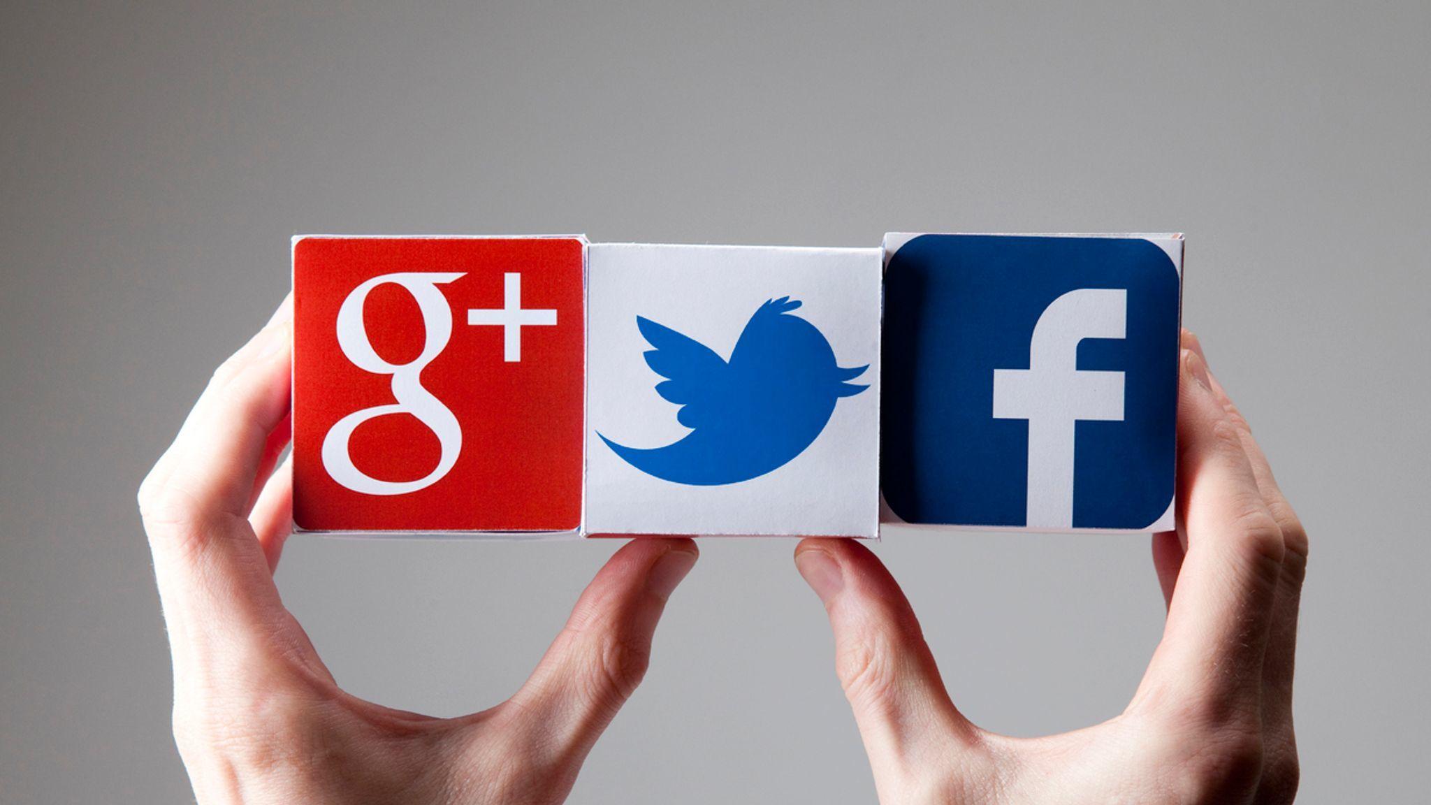 Nga phạt Google, Facebook không xóa nội dung bị cấm