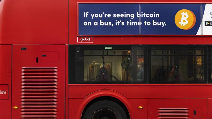 Anh cấm quảng cáo 'đã đến lúc mua Bitcoin'