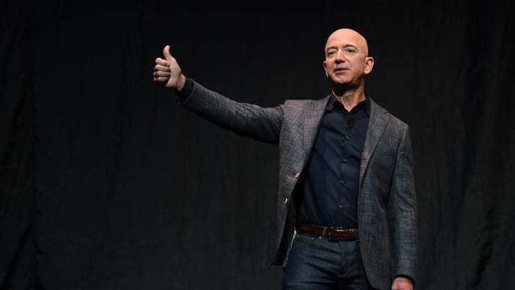 Ông Jeff Bezos thông báo sẽ thôi chức CEO Amazon vào ngày 5/7