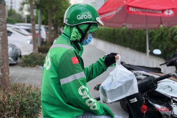 Grab mở lại dịch vụ giao đồ ăn, đi chợ hộ tại Hà Nội từ 17/9