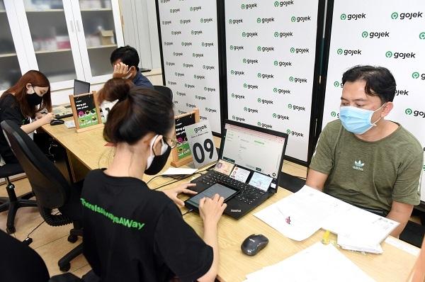 15 phút trở thành tài xế ô tô Gojek: Chuyện khó có thật