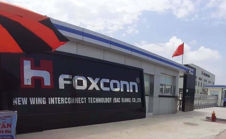 """Nhiều công ty sản xuất linh kiện cho các """"ông lớn"""" Samsung, Foxconn đã hoạt động trở lại"""