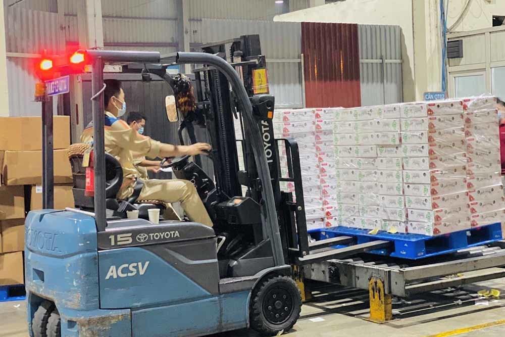 Doanh nghiệp bưu chính hỗ trợ xuất khẩu vải thiều Bắc Giang sang Nhật