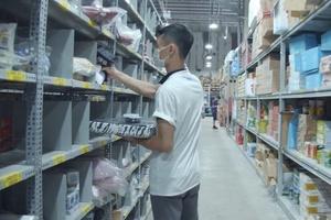 Mua hàng Tiki, Lazada, Shopee tăng cao mùa dịch