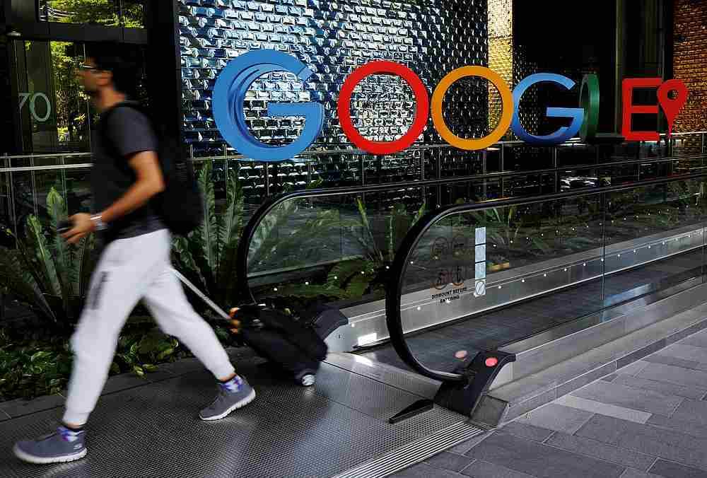 Thêm một hãng truyền thông Úc ký thỏa thuận 'béo bở' với Facebook, Google
