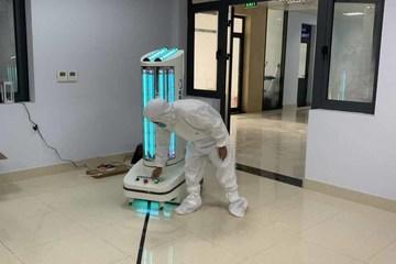 """Robot khử khuẩn""""Make in Vietnam"""" hỗ trợ chống dịch Covid-19 tại Bắc Giang"""