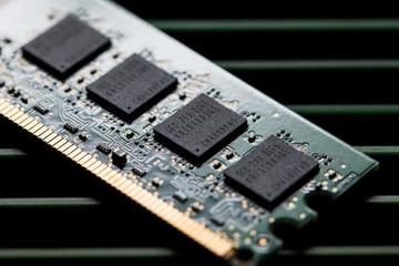 Các hãng chip kiếm đậm trong khủng hoảng bán dẫn, trừ Samsung