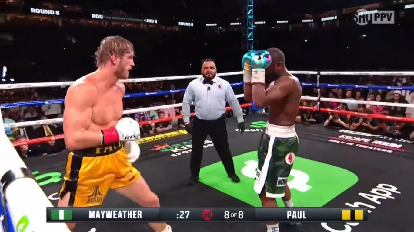 Mayweather bất phân thắng bại với YouTuber Logan Paul